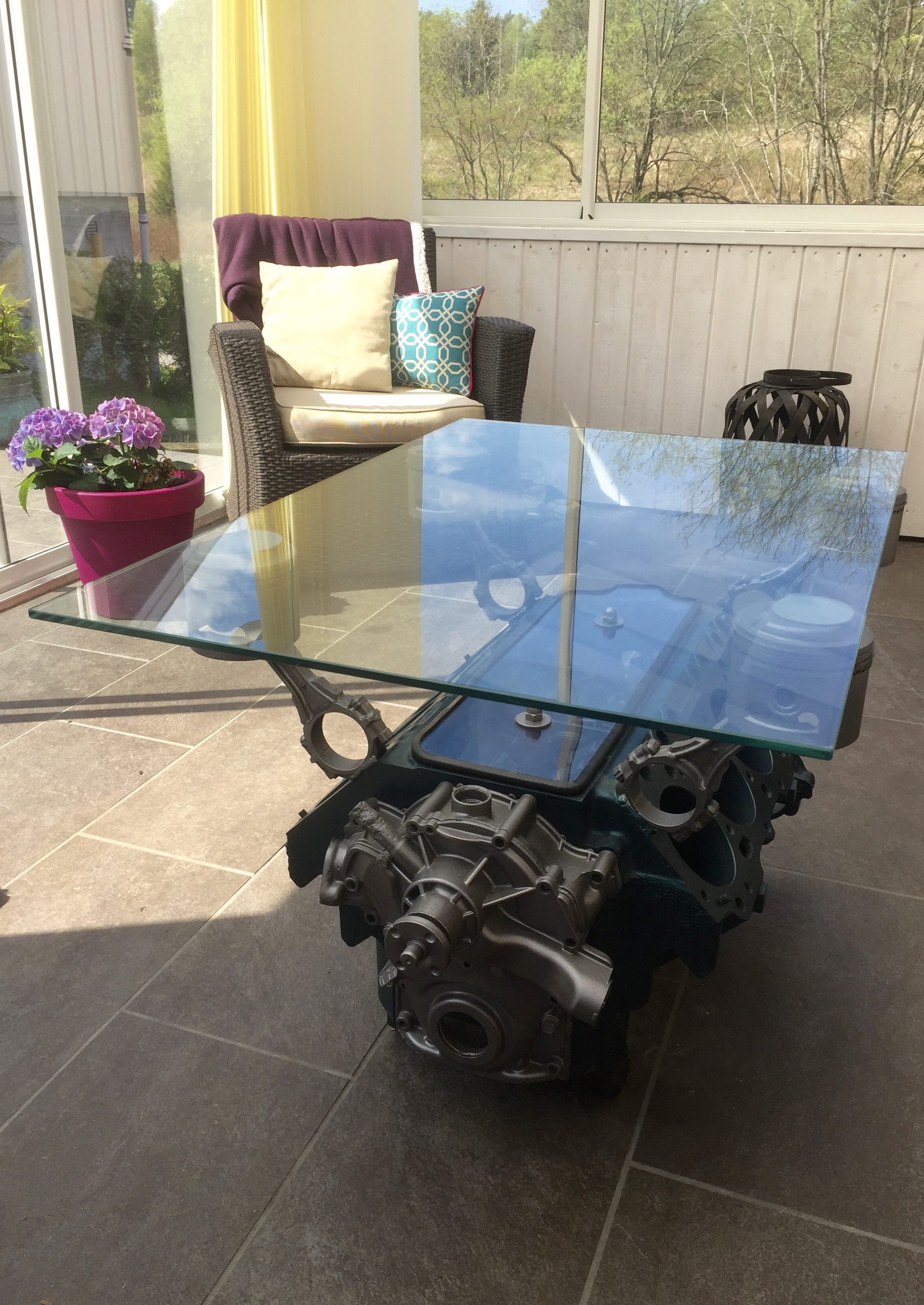 Table from an old V8 engine