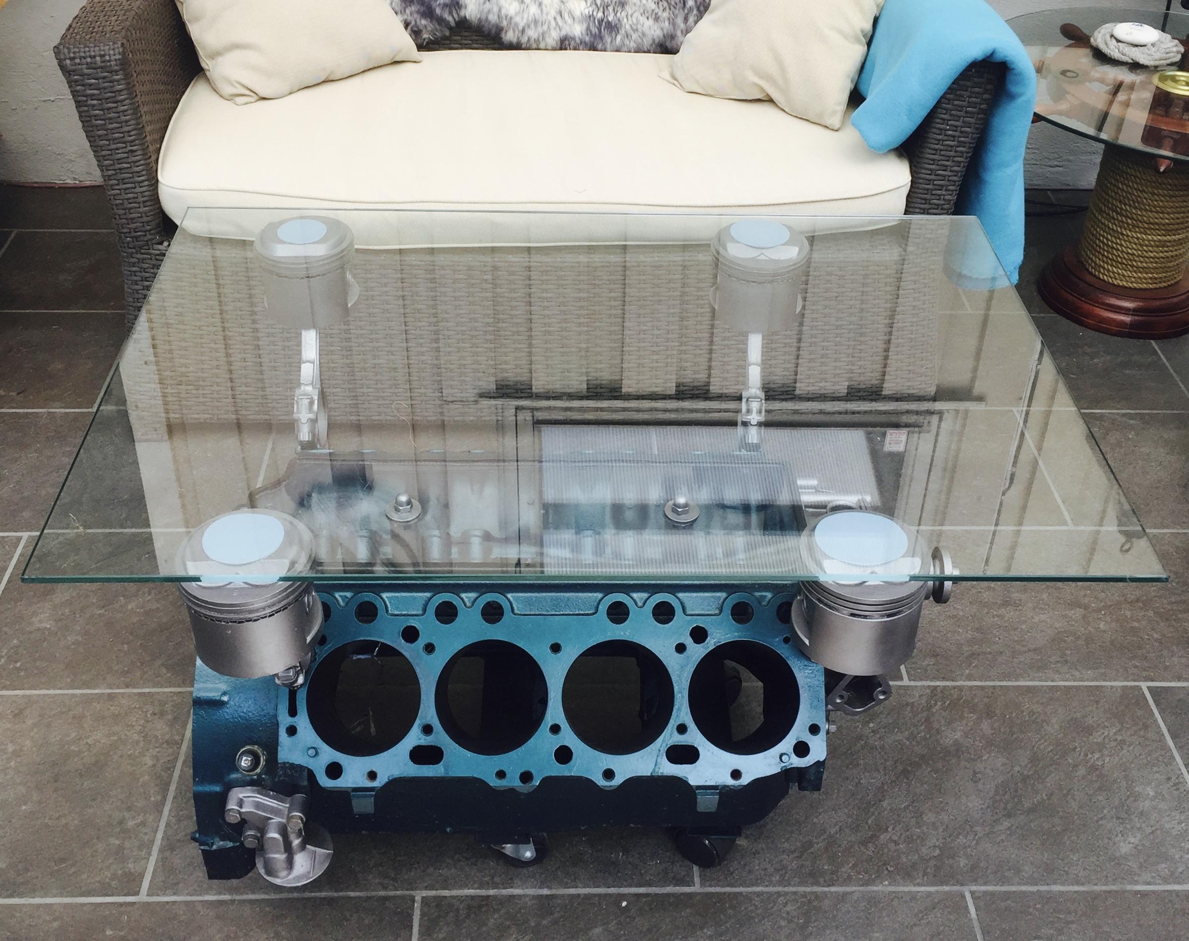 V8 Table in the wintergarden